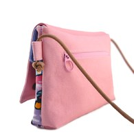 雙蓋側背小包-粉色+創作襪 2雙 組合C